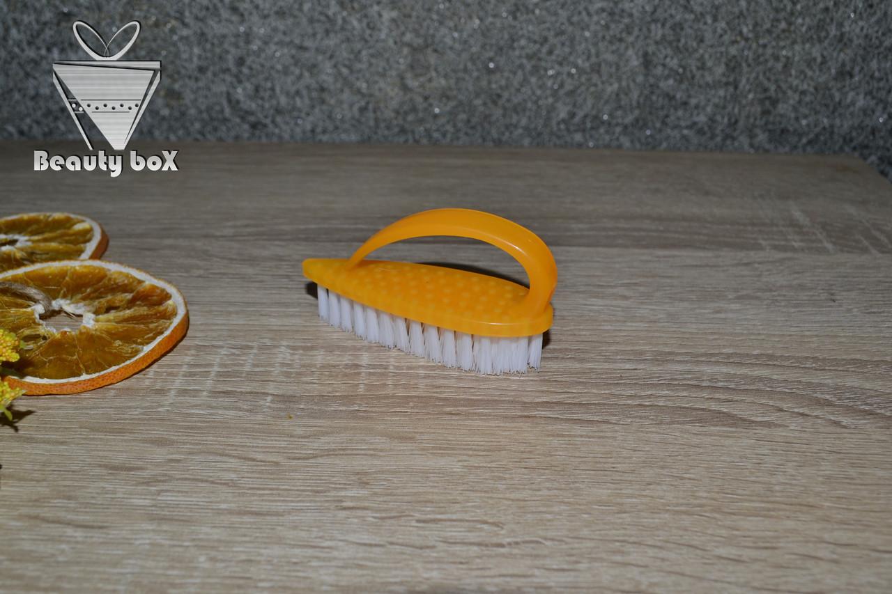 Щетка для ногтей (утюжок)