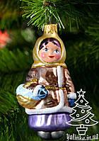 Стеклянная елочная игрушка Девочка с подснежниками 008