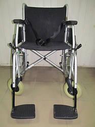 Широкая инвалидная коляска известной фирмы Meyra  качественная, ширина сидения 47 см.  б.у. среднее состояние