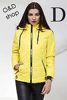Женская демисезонная короткая куртка с капюшоном tez270177