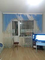 Ламбрекен в зал с балконом