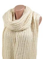 Вязаный белый шарф