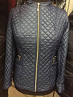 Симпатичная демисезонная женская куртка стёганная