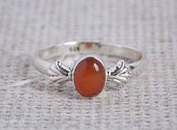 Серебряное кольцо 18 размера с сердоликом