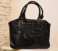 Стильная черная эксклюзивная сумка для женщин, ручки на плечо, лаковая под крокодила.