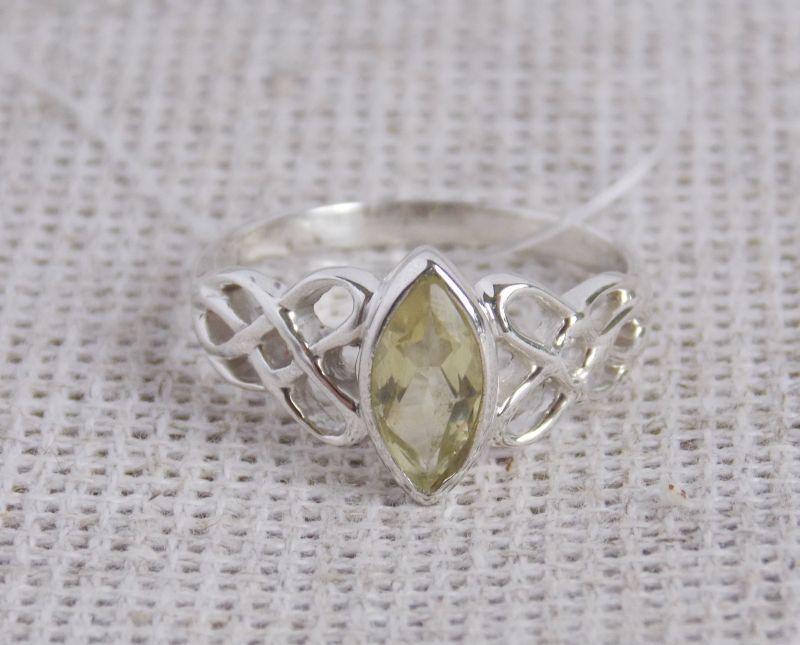 """Серебряное кольцо """"Кельтика""""  с лимонным кварцем 19 размера"""