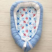 """Кокон для новорожденных """"Голубые самолетики"""" со съемным матрасиком"""