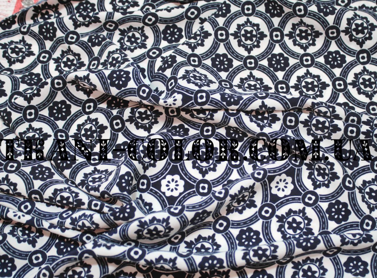 Ткань штапель принт темно-синий орнамент на белом фоне