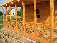 Веранда деревянная открытого типа.