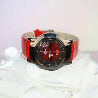 """Кварцевые часы """"Алмаз"""", красные"""