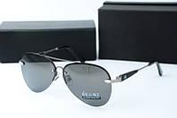 Солнцезащитные очки Mercedes серые