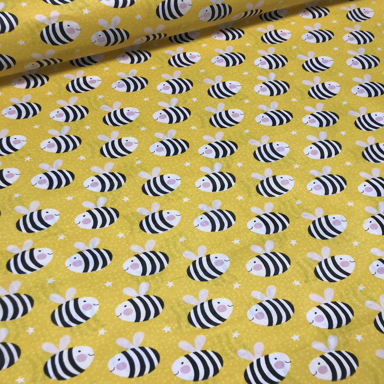 Хлопковая ткань польская пчелки черно-белые на желтом №126