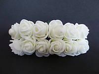Декоративные розы из латекса 12 шт., d 2 см на ножке, кремового цвета