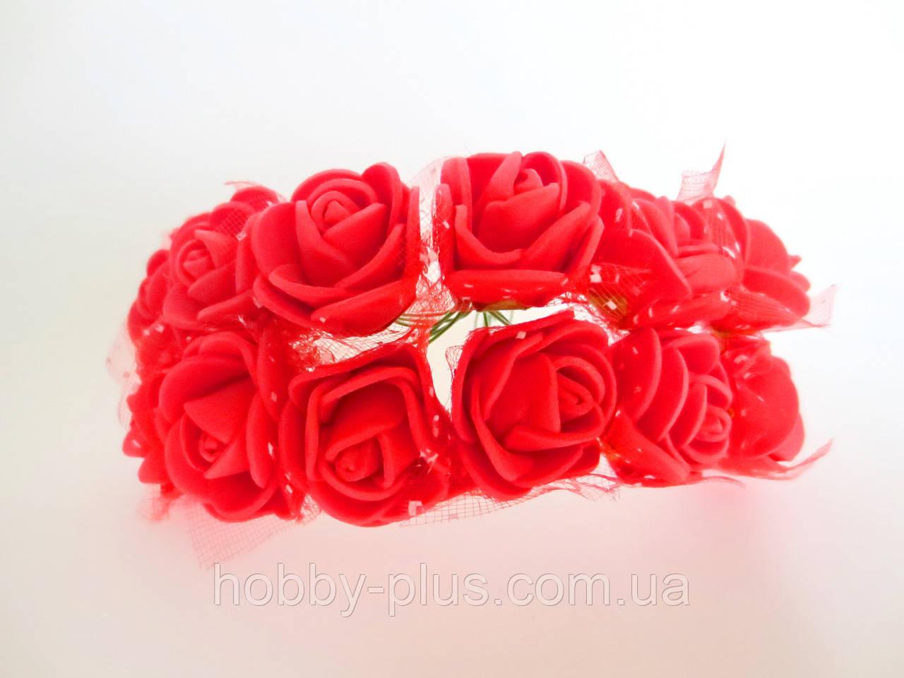 Декоративные розы из латекса 12 шт., d 2 см на ножке, красного цвета с фатином
