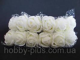 Декоративные розы из латекса 12 шт., d 2 см на ножке, кремового цвета с фатином