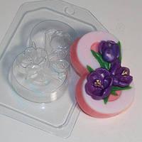 Пластиковая форма для мыла 8 марта крокусы по диагонали