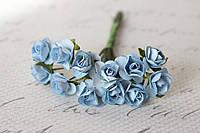 Декоративные бумажные цветочки, розы для скрапбукинга 1,5 см 12 шт/уп. на ножке нежно-голубого цвета, фото 1