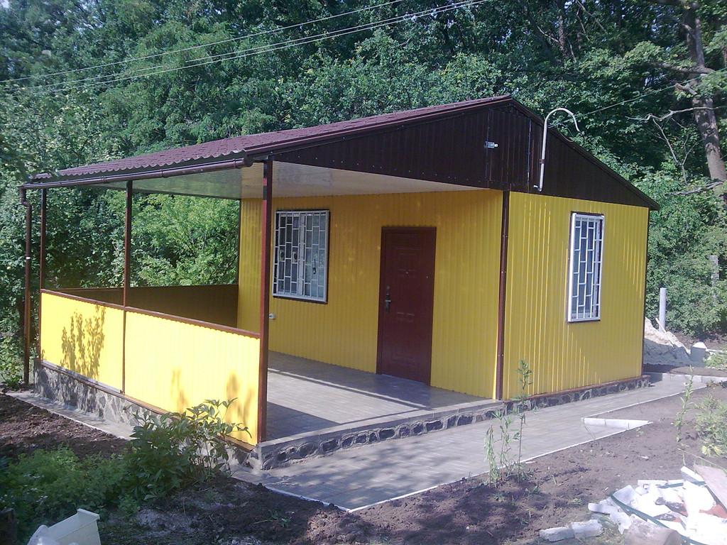 Садовый домик из профнастила