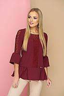 """Милая женская блузка со вставками из сетки, оборками внизу и на рукавах """"Мьюзик"""" (вишня)"""