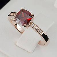 Утонченное кольцо с кристаллами Swarovski, покрытое слоями золота 0704