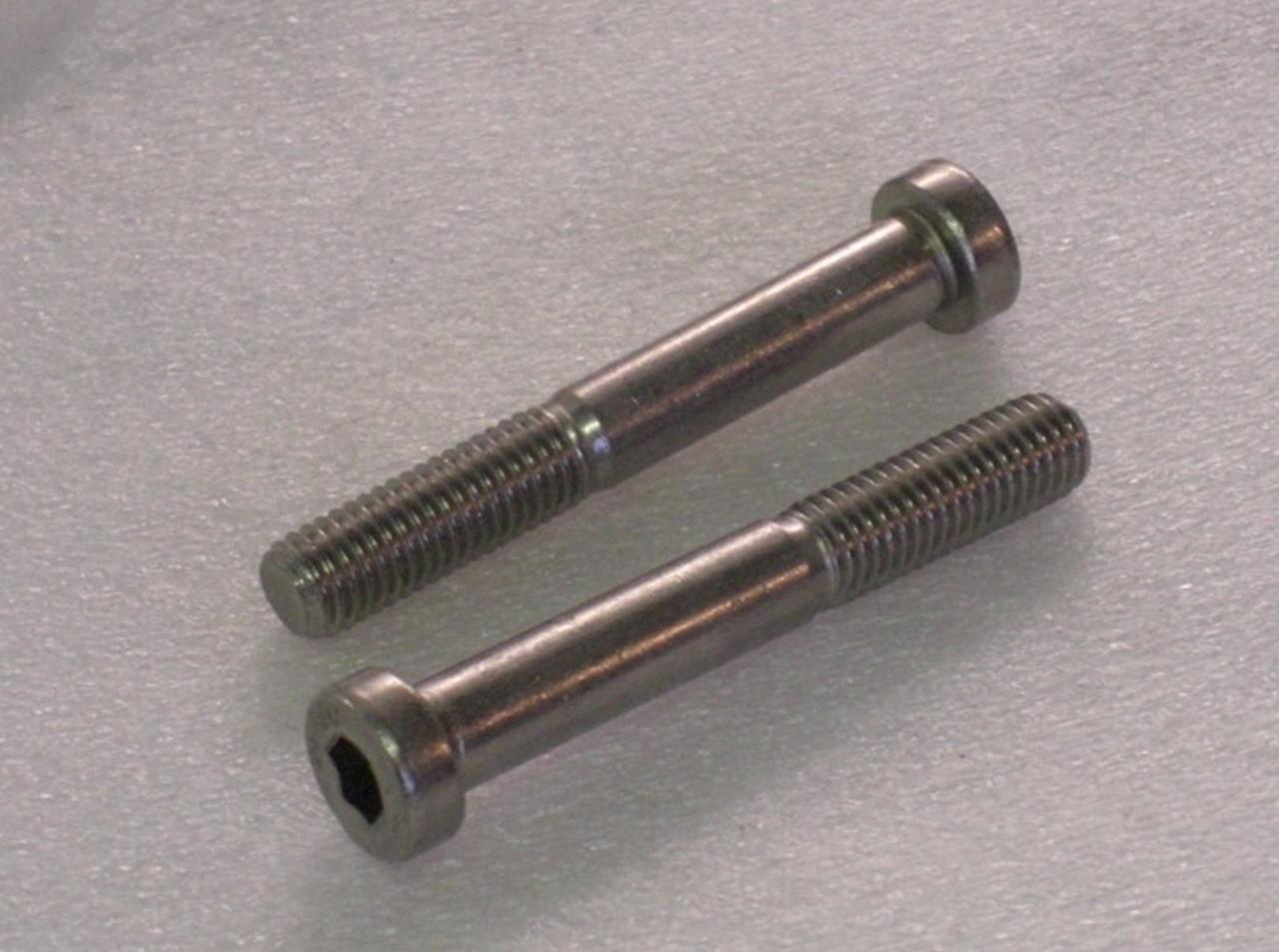 Винт М10 DIN 7984 с внутренним шестигранником и низкой цилиндрической головкой | кл. пр. 8.8