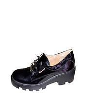 Женские туфли на тракторной подошве лаковая кожа
