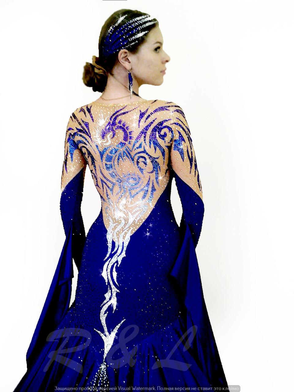 Танцевальное платье в камнях