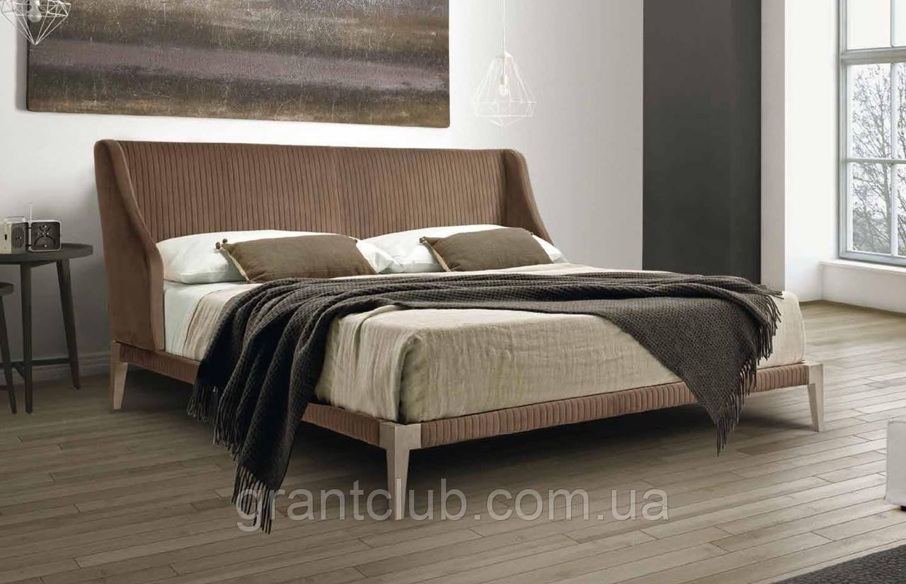 Мягкая дизайнерская двуспальная кровать на высоких ножках LENNOX фабрика Eko Divani (Италия)