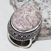 Крупное эффектное кольцо с ископаемым кораллом
