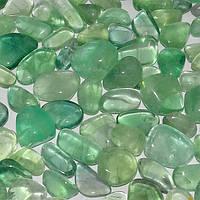 Флюорит галтовка натуральный камень бледно-зеленый