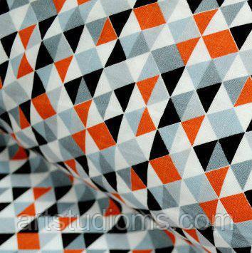 Ткань. Хлопок с серыми и коралловыми треугольниками 1см. Отрез 50х40см
