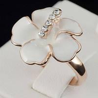 Кольцо - цветок с кристаллами Swarovski, покрытое золотом 0714