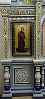 Ровный строгий киот для иконы Богородицы, с внутренней деревянной рамой и золочёными штапиками., фото 2