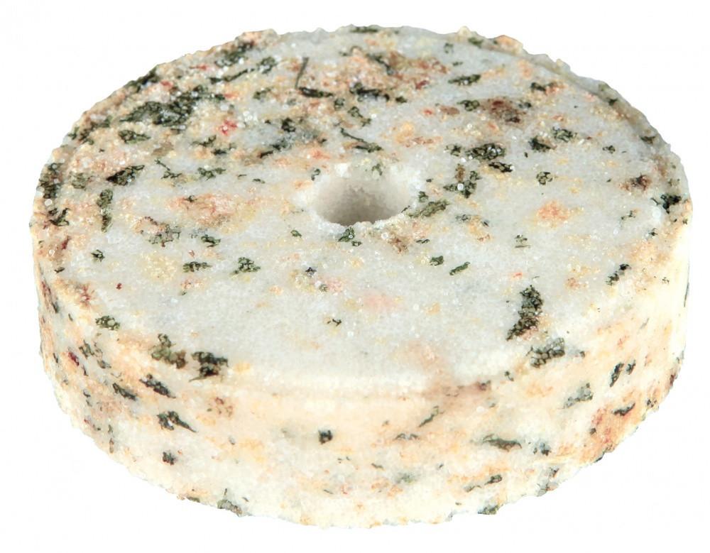 Соляной камень Trixie Salt Lick для грызунов с травами, 95 г