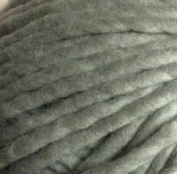 Толстая пряжа ручного прядения. 100% шерсть. Цвет Серебро