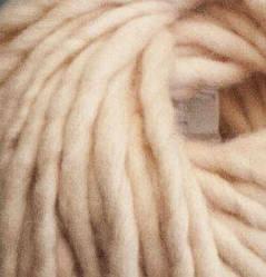 Толстая пряжа ручного прядения. 100% шерсть. Цвет Телесный