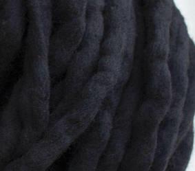 Толстая пряжа ручного прядения. 100% шерсть. Цвет Черный