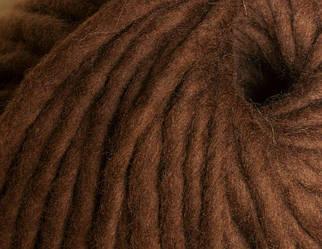 Толстая пряжа ручного прядения. 100% шерсть. Цвет Шоколад