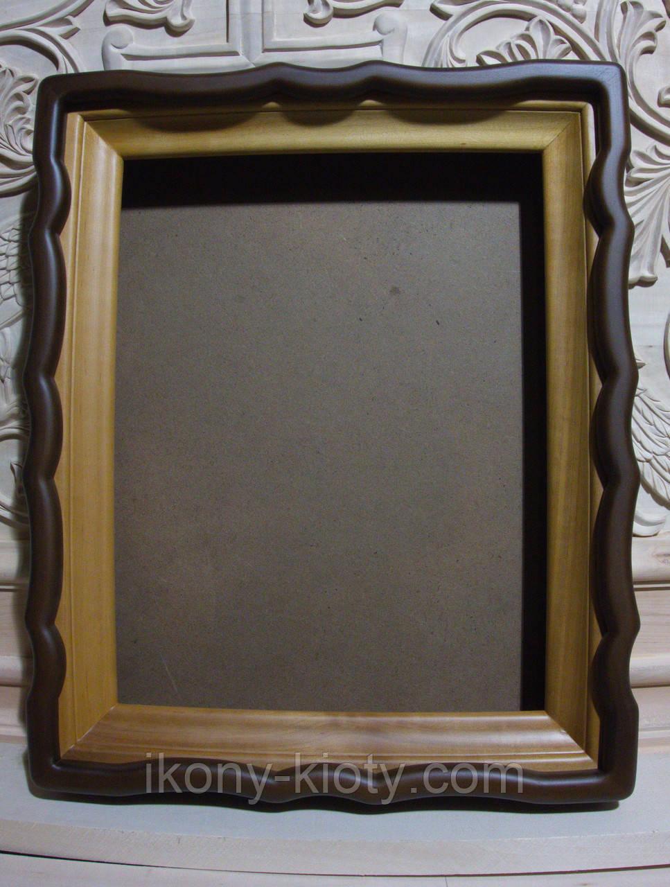 Киот для иконы фигурный с внутренней деревянной рамой.