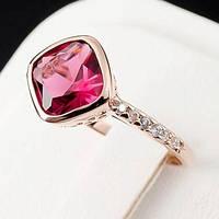 Необычное кольцо с кристаллами Swarovski, покрытое золотом 0742