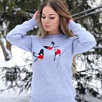 """Утеплений жіночий світшот сірого кольору """"Колоритні снігурі"""", фото 1"""