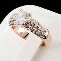 Нежное кольцо с кристаллами Swarovski, покрытое золотом 0747