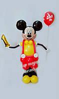 Микки Маус с циферкой из воздушных шаров