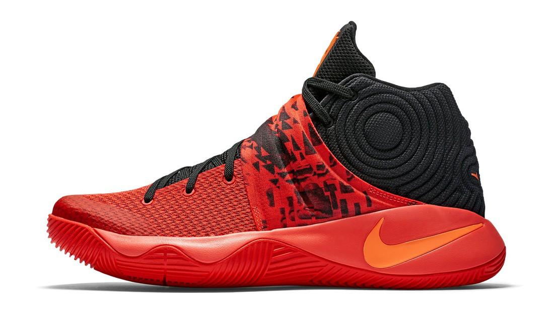 Баскетбольные кроссовки Nike Kyrie Irving 2 (Найк Кайри Ирвинг) черно-красные