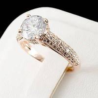 Яркое кольцо с кристаллами Swarovski, покрытое слоями золота 0750