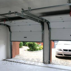Секционные ворота Алютех Trend для гаража
