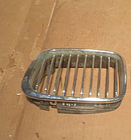 Решетка радиатора правая BMW E46, 51138208490