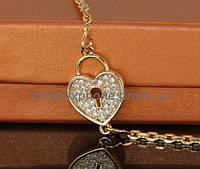 Стильный браслет с фианитами, покрытый золотом (735050)