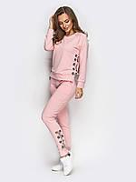 Стильный споритвный костюм с люверсами нежно розового цвета