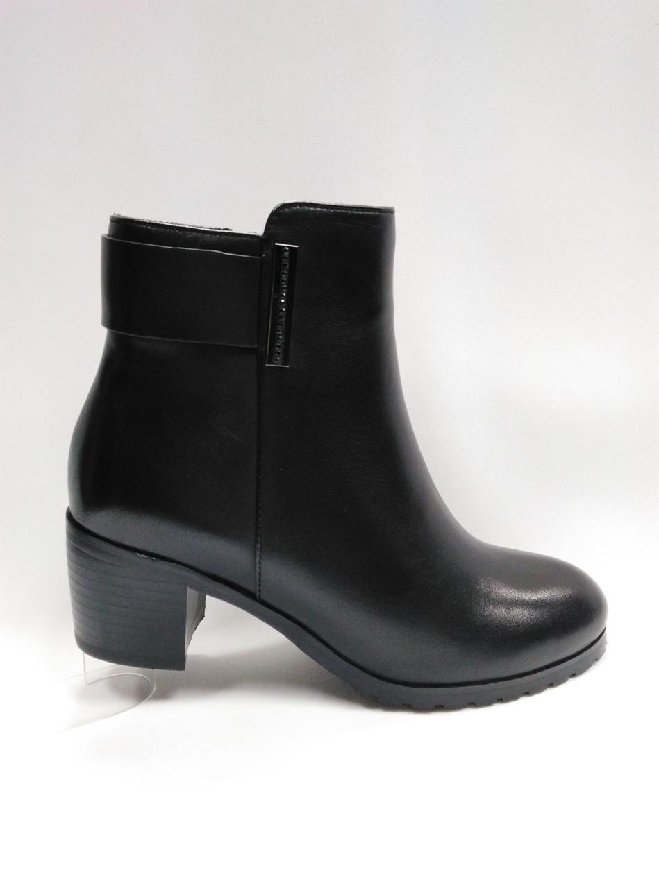 Черные кожаные ботинки на молнии. Маленькие размеры (33 - 35)
